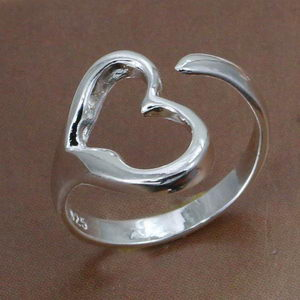 טבעת מצופה כסף 925 בצורת לב