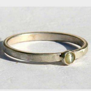 טבעת כסף משובצת עין החתול